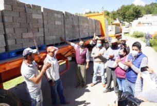 Camionada de blocks para las bardas de panteones