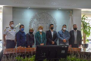 La alcaldesa Ruth Olvera Nieto, funcionarios estatales y ejecutivos de grúas acuerdan resolver conflictos