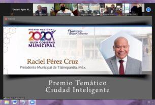 Distinción a Raciel Pérez