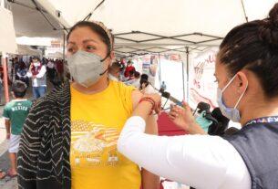 Vacunas, otros servicios médicos, jurídicos y públicos se prestaron en amplia zona popular