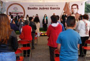 Gran parte del cabildo y funcionarios en el recuerdo del natalicio de Benito Juárez