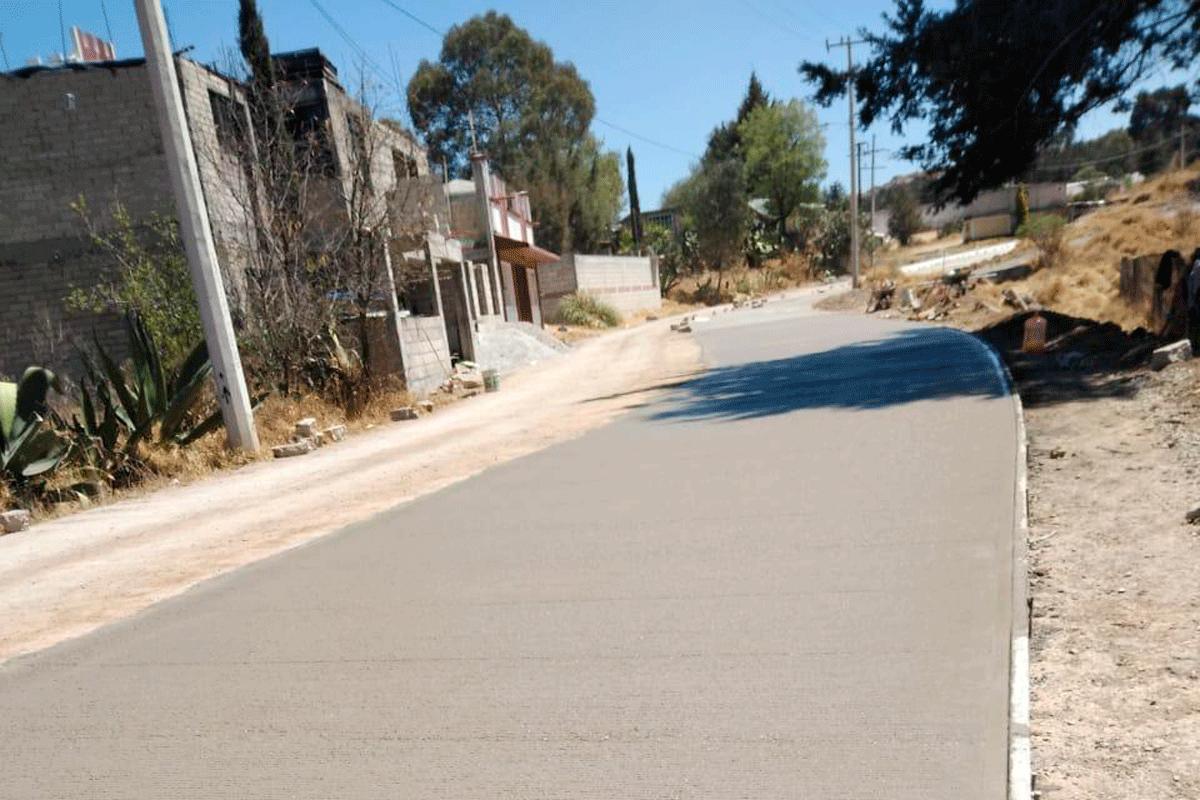 Habitantes de Almoloya de Juárez reciben mejores obras y servicios