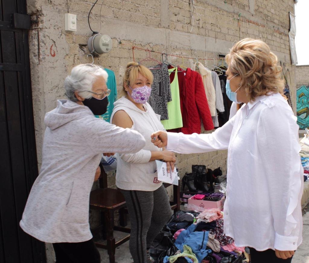 Ruth Olvera visita negocios y puestos ambulantes en busca del voto en Atizapán de Zaragoza