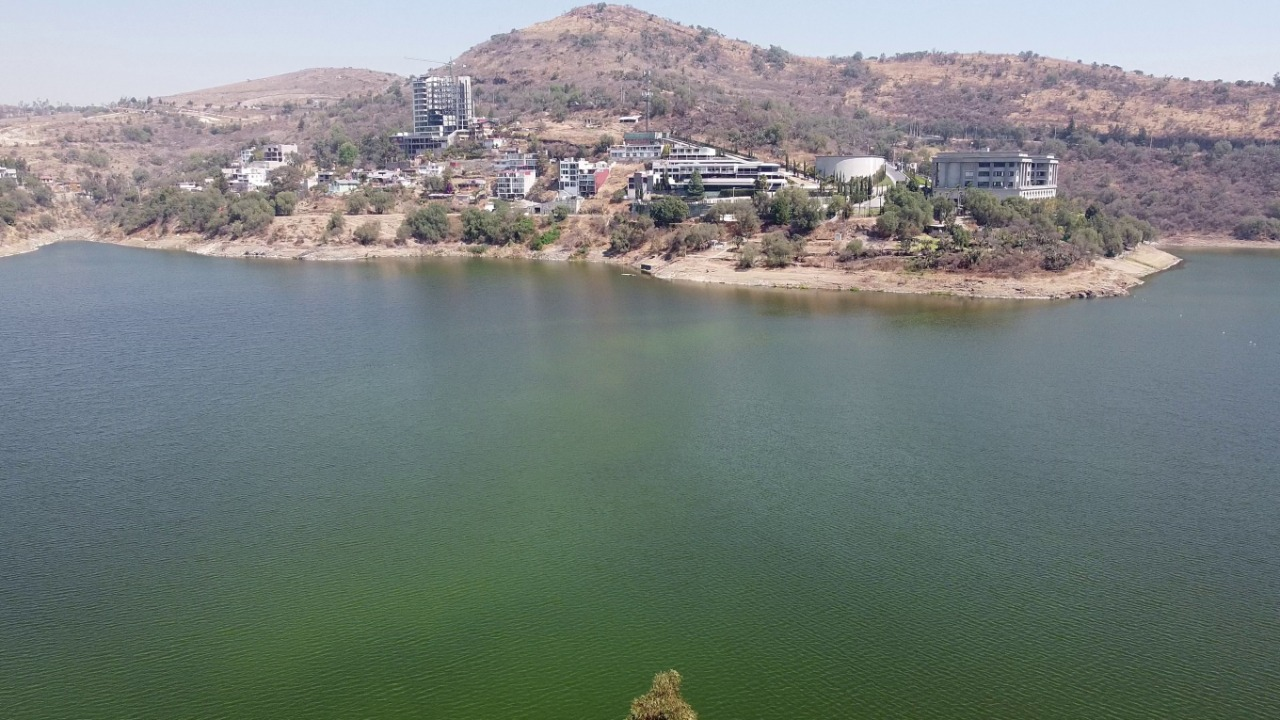 Muy cotizada el agua de la presa Madin