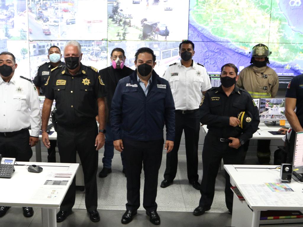 El alcalde Enrique Vargas del Villar en Centro de Control