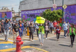 Miles de trabajadores municipales, de centros comerciales y público participó en el simulacro nacional en el Edomex