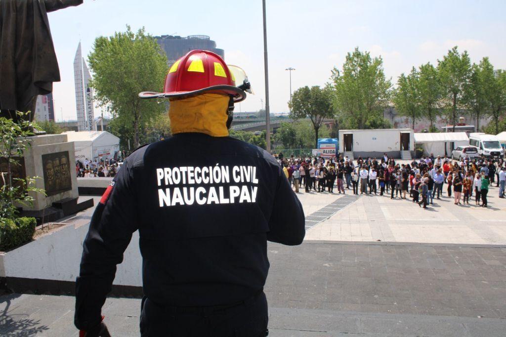 En Naucalpan reunieron en la explanada a los trabajadores del Palacio Municipal y edificio anexo