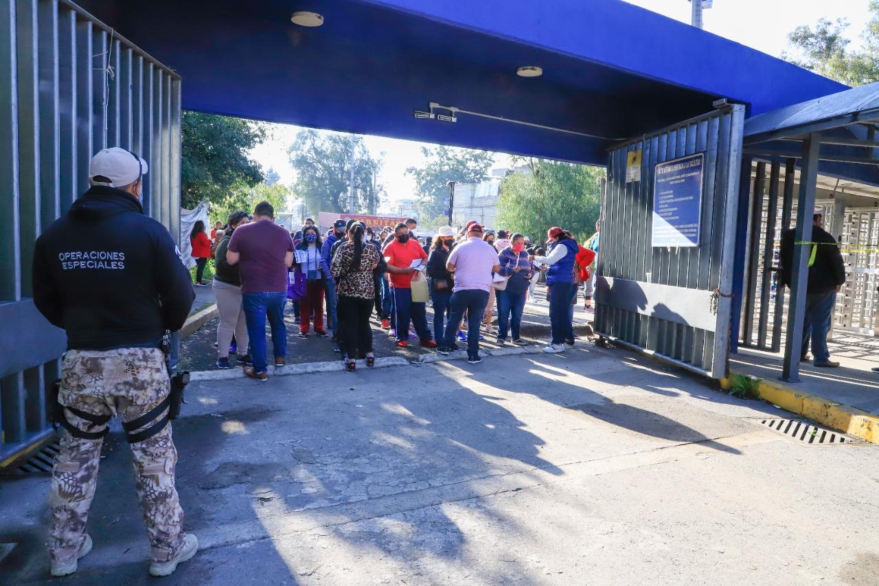 Buena asistencia en las instalaciones de la FES Cuautitlán para la vacuna