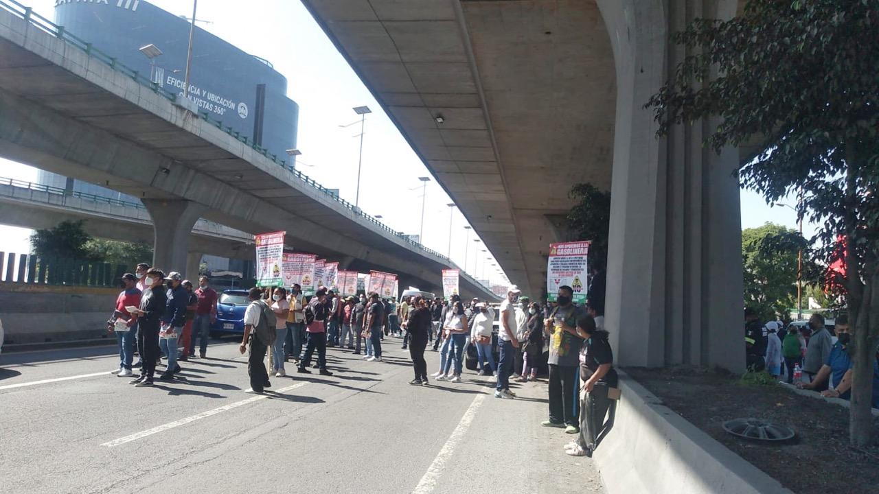 Manifestación contra gasolinera en Periférico