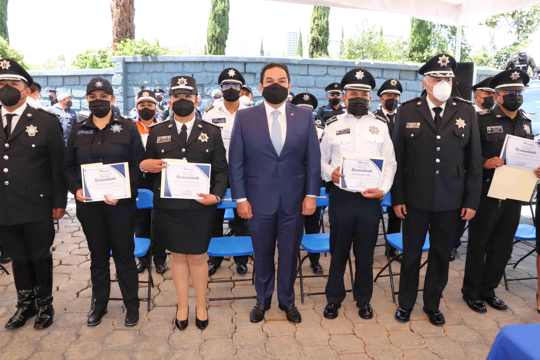 Enrique Vargas del Villar y mandos de Huixquilucan reciben reconocimiento