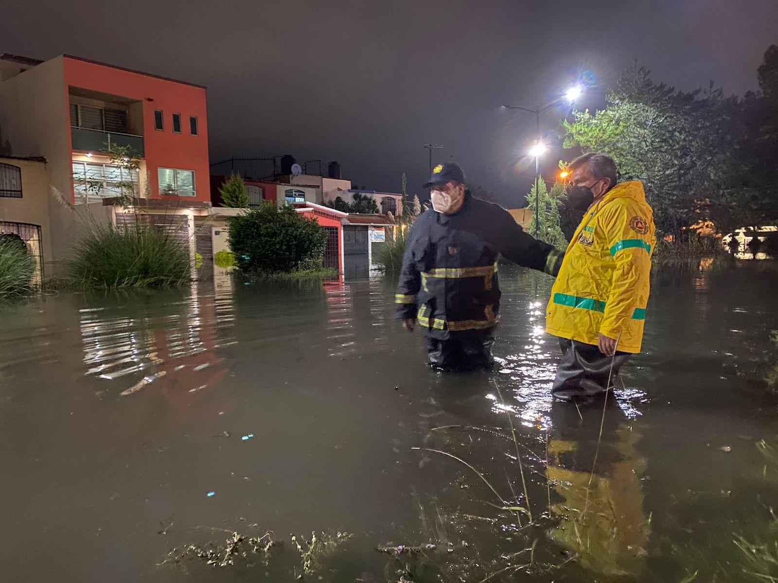 El alcalde de Cuautitlán Izcalli Ricardo Núñez en la Zona Inundada