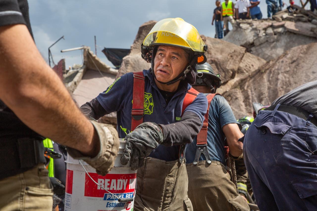 Trabajan en ruta segura para rescatar a desaparecidos en Tlalnepantla